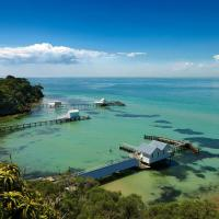 Bayplay Cottage and Group Lodge, hotel in Portsea