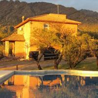 Cabañas de Montaña San Miguel, hotel in Cortaderas