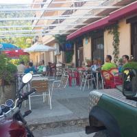 Hostal Restaurante Los Bronces, hotel in Riópar
