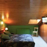 Hotel Les 7 Claus, hotel in Andorra la Vella