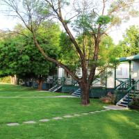 Gundagai Cabins & Tourist Park, hotel in Gundagai