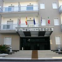Hotel Luxor, hotel in Casoria