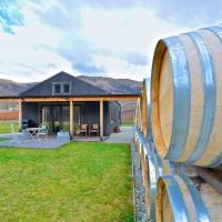 Pagan Vines Vineyard Accommodation, hotel in Gibbston