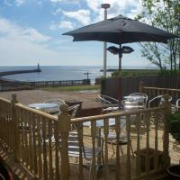 The Balmoral & Terrace Guest Houses, hotel in Sunderland