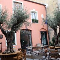 La dimora del Conte Bracco B., hotel in Albenga