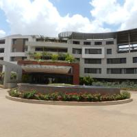 Hotel Rock Regency, hotel in Toranagallu