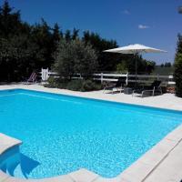Gites Les Vents Bleus, hotel in Donnazac