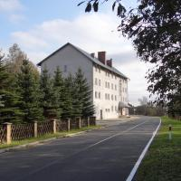 Hotel Korona, hotel in Mostowice