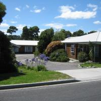Castaway Holiday Apartments, hotel in Strahan