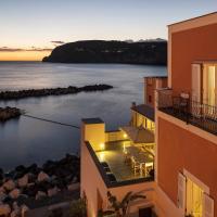 Appartamenti Le Pleiadi - Sant'Angelo D'Ischia, hotel in Ischia