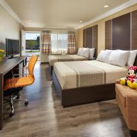 Eden Roc Inn & Suites near the Maingate