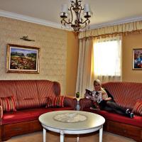 Hotel Villa Classica, hotel in Pápa