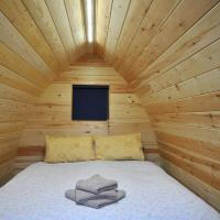 Wolds Glamping, hotel in Pocklington