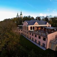 Hotel Cvilín, отель в Крнове