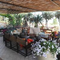 Terrazza Pavone, hotel ad Aci Castello