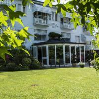 Hotel Riviera Blu, hotell i Tirrenia