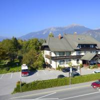 Guesthouse Leski Dvor, hotel in Lesce