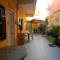 Bella Sombra Guest House Downtown, hotel in Belize City
