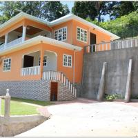Exotic Guest House, hotel in Praslin