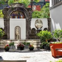 Hotel Piazza Bellini & Apartments, hotel in Naples