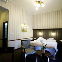 Hotel Golden Eagle, hotel v Leviciach