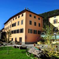 Appartamenti Violalpina - Via Trento, hotel in Malè