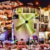 Sky Vela Hotel & Suites - All Inclusive، فندق في غومبيت
