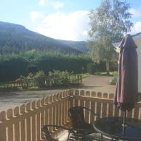 Mountain View Lodge, hotel in Laragh