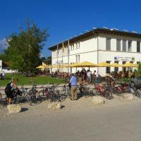 Lago Lodge, hotel in Biel