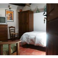 Apartamentos Rurales Víctor Chamorro del Arco, hotel in Hervás