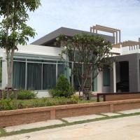 Casa Seaside Rayong Unit 23, hotel in Ban Chak Phai