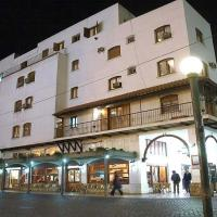 Hotel Regidor, מלון בסלטה