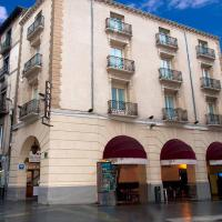 Hostal Rugaca, hotel in Huesca