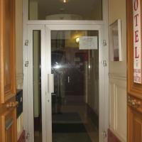 Au Royal Mad, отель в Париже