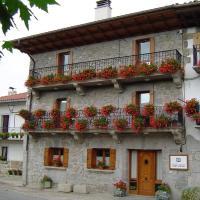 Casa Rural Martxoenea Landetxea, hotel en Arruazu