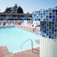 Breezeway Resort, hotel in Westerly