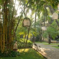 Bumi Surabaya City Resort, отель в Сурабае