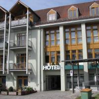 Hotel am Hof, hotel in Taufkirchen