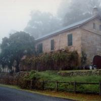 Tizzana Winery Bed and Breakfast, hotel em Sackville Reach