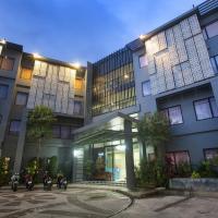 Dinar Lodge, отель в городе Пляж Банг Тао