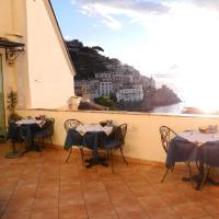 Hotel Croce Di Amalfi, hotell i Amalfi