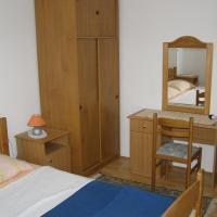 Apartments Kesic, hotel in Barbat na Rabu