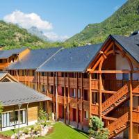 Lagrange Vacances Les Chalets d'Ax, hotel in Ax-les-Thermes