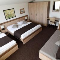 Rooms Barba Niko near Zagreb Airport, hotel u Velikoj Gorici