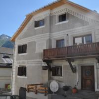 Attika Wohnung 7546 Ardez, hotel in Ardez