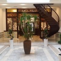 Heeren Palm Suites, hotel in Malacca