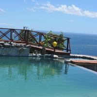 Mango Island Lodges, hotel in Saint Joseph