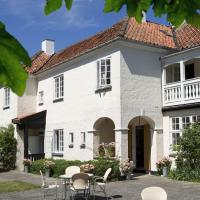 Villa Strand, hotel in Hornbæk