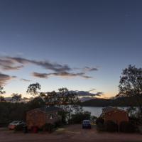 Lake Monduran Holiday Park, hotel em Gin Gin