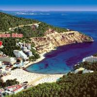 Apartamentos Cala LLonga Playa, hotel in Cala Llonga